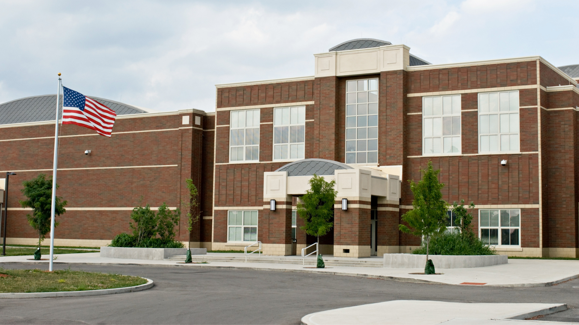 Image shows a school building.